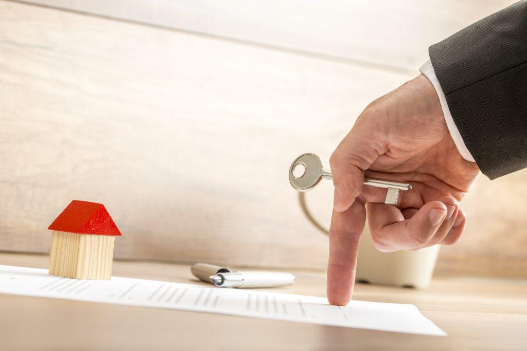 Hay cláusula que indican que no puedo vender la vivienda inmediatamente, ¿cómo sortearlas?